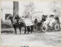 Davis Drugstore parade carriage, South Berwick, 1914