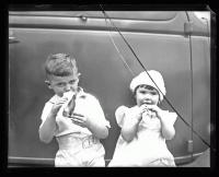 Kids and hot dogs, Portland, ca. 1935