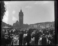 Crowd welcoming President Teddy Roosevelt, Union Station, Portland, 1902