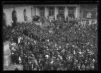 Crowd awaits General Pershing, Portland, 1920