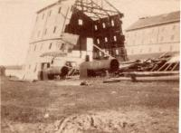 Ship house coming down, Kittery Navy Yard, ca. 1900