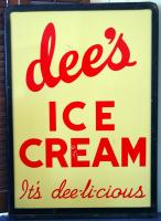 Dee's Ice Cream sign