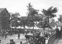 Crowds on Eastern Prom, Portland, 1898