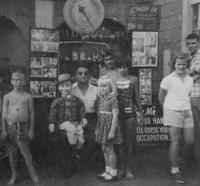 Dave the Guesser with kids, Old Orchard Beach, 1964