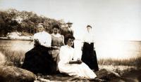 Hicks siblings, ca. 1900
