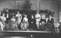Kate Douglas Wiggin and Peabody Pew cast, Buxton, ca. 1920