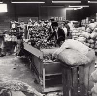 Repackaging California Potatoes, Blaine, 1966
