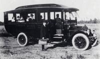 Harry Carr's Second Jitney, Sanford, ca 1914