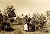 Jay M. Preble and children, Cape Elizabeth, ca. 1915