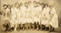 Ses soeurs, ses cousines et ses tantes, Lewiston, ca. 1930s