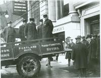 Chapman Bank moving day, Portland, 1924