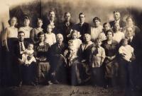 M. Johnson family, Woodland, ca. 1922