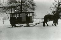 Schoolbus sleigh, South Winn, 1925