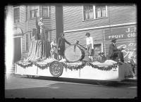 Maine Centennial parade, Lumbering float, Portland, 1920