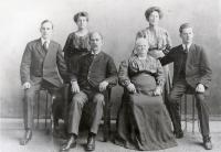 George Walter Hinckley and family, Fairfield, 1908