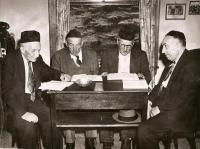 Men studying, Portland, ca. 1940
