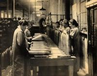 Women at work at the Portland Company, ca. 1917