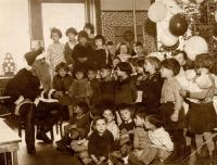 Santa Claus visits North School, Portland, ca. 1920
