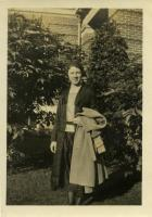 Agnes Mantor, Farmington, ca. 1917
