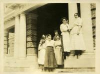 Student waitresses, Farmington State Normal School, 1917