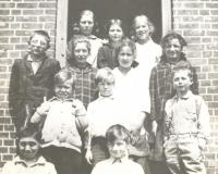 Bell Hill School students, 1916