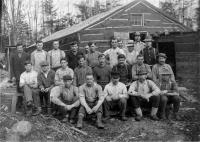 Merrill's Mill crew, Willimantic, ca. 1900