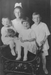 Young Edmund S. Muskie with his siblings, c. 1922