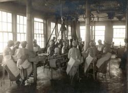 Working Women of the Old Port