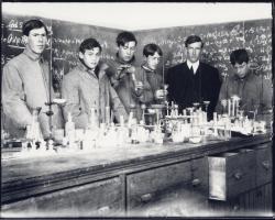 Chemistry class, Fryeburg Academy, ca. 1906