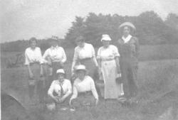 Berry pickers, Pettengill farm, Freeport, ca. 1920