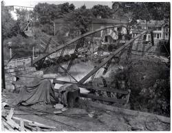 Iron Bridge collapse, Guilford, 1954