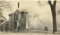 Odd Fellows Hall burning, Lincoln, 1922