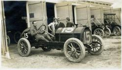Fred Belcher in a Knox racecar, Poland Spring, 1911