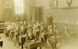 Model School Classroom, Farmington State Normal School, 1917