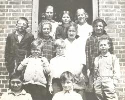 Bell Hill School students, 1916