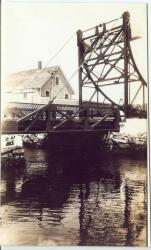 Third bridge over the