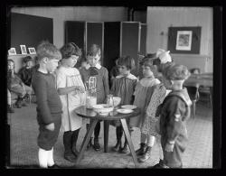Sherman Street kindergarten, Portland, ca. 1922