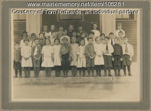 Students at Cottage Farm School, Cape Elizabeth, ca. 1913