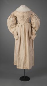 Gigot (muttun chop) sleeve dress, ca. 1830