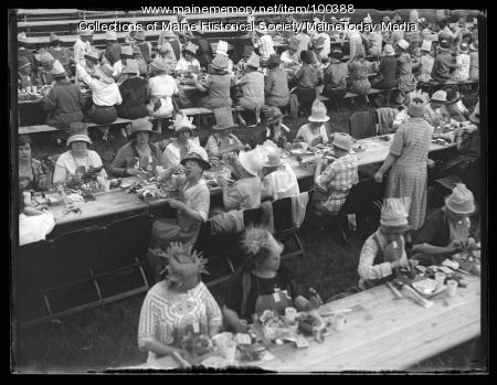 NFBPWC convention clambake, Peaks Island, 1925