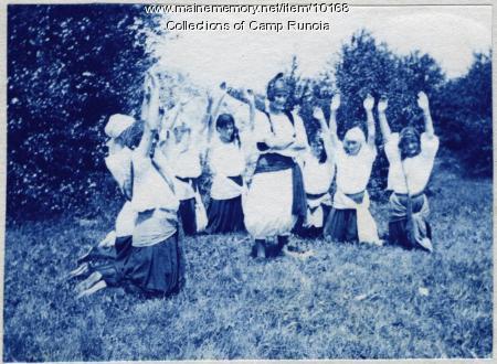Girls at Camp Runoia in 1913