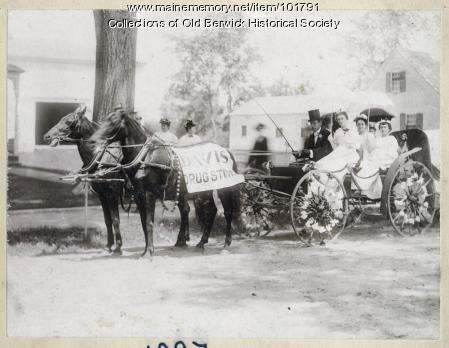 Davis Drugstore parade carriage, South Berwick, 1914