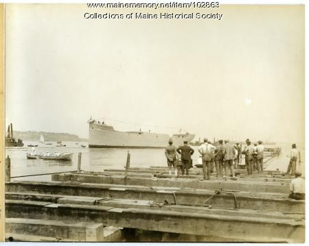 """The launching of the S.S. """"Falmouth,"""" South Portland, 1918"""
