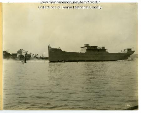"""Launch of the S.S. """"Belgrade,"""" South Portland, 1918"""