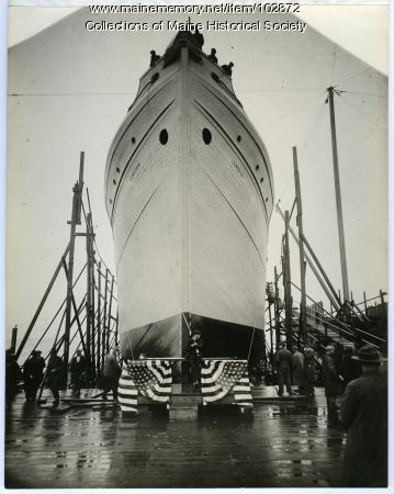"""S.S. """"Lewiston"""" before launch, South Portland, 1918"""