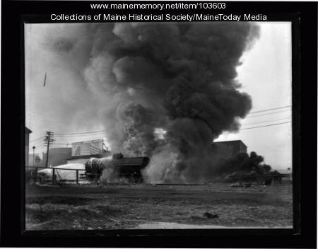 Oil tank car fire, Kennebec Street, Portland, ca. 1935