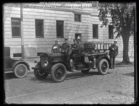 McCann fire engine and fire fighters, Portland, ca. 1924