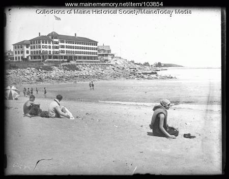Beach goers, York Beach, ca. 1924