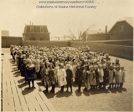 Girls at North School, Portland, 1911