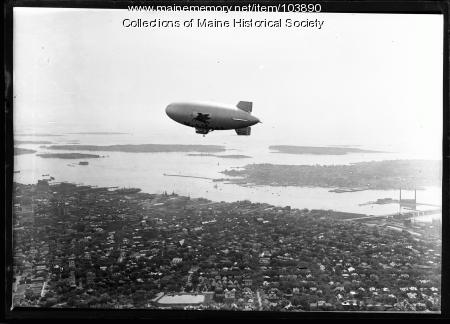 Mobil Oil blimp above Portland, ca. 1930